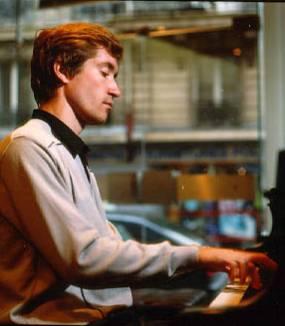 راخمانینف: پیانوکنسرتو ۲ – لوگانسکی